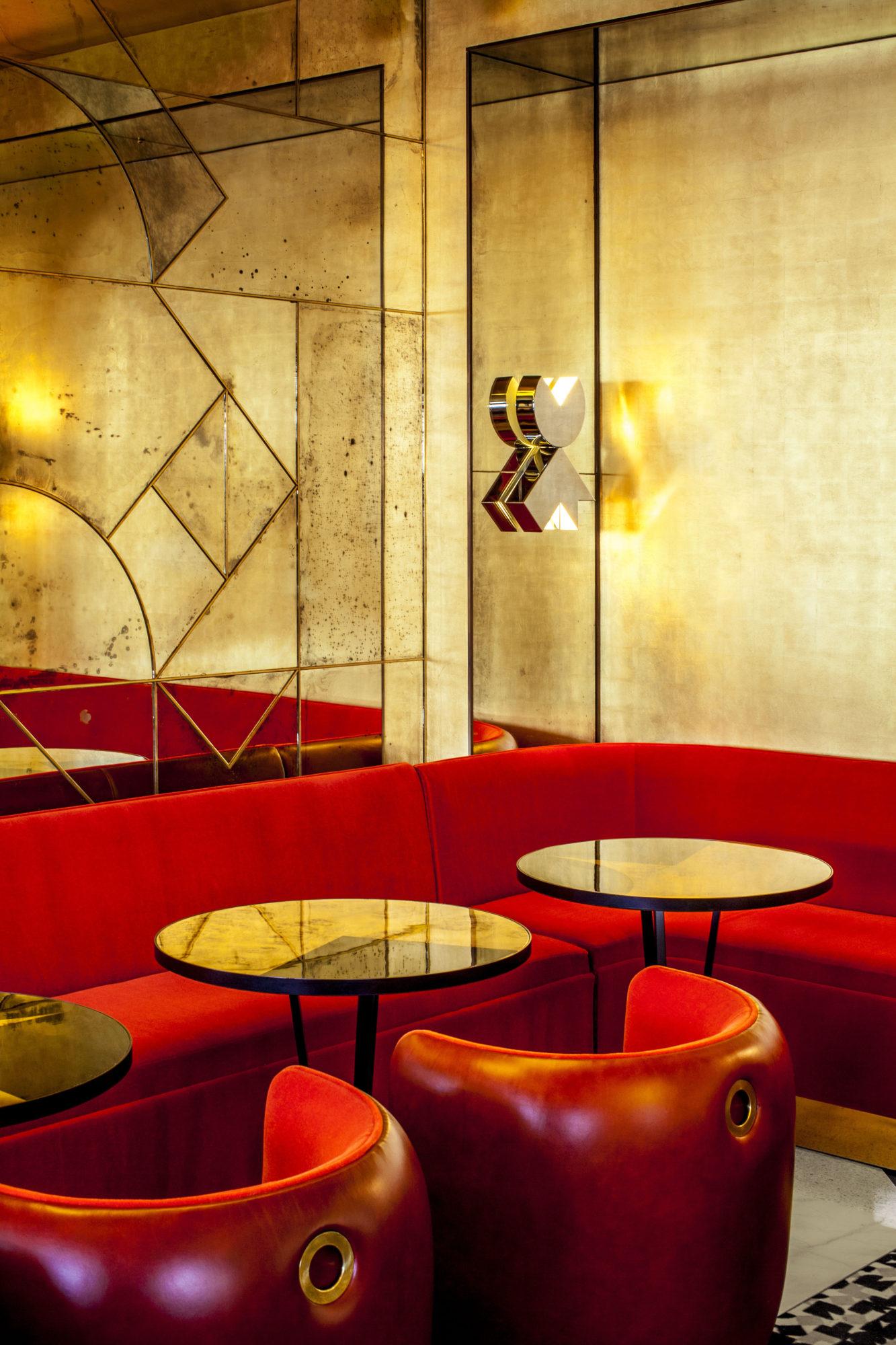 Le Café Français - India Mahdavi